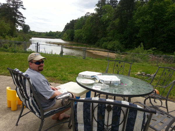 chilling-by-the-lake-with-pizza