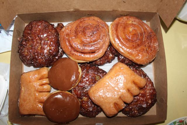 donuts-bakers-dozen