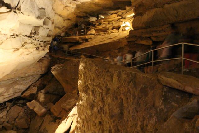 mammoth-cave-1