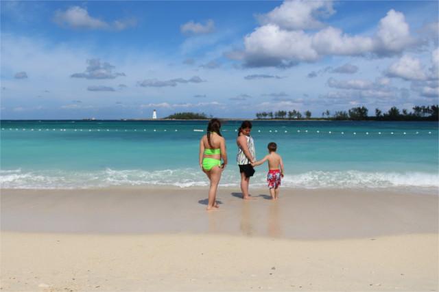 Junkanoo beach, minutes away from the cruise terminal (taken during a previous visit)