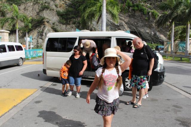 """The St. Maarten city """"bus"""""""