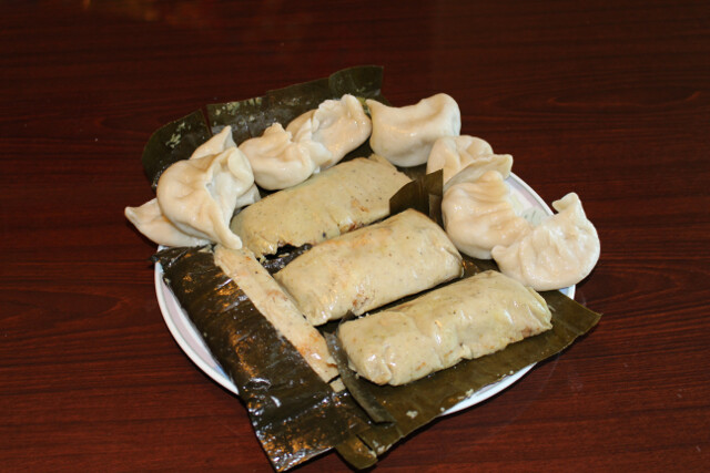 We gave a friend a bunch of pho. She returned the favor with homemade Salvadorean tamales and dim sum dumplings.